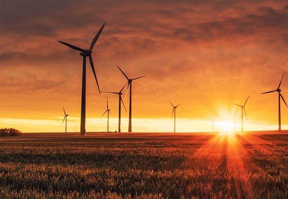 https://media.acretrader.com/news/farmland-wind-turbine-lease.jpg